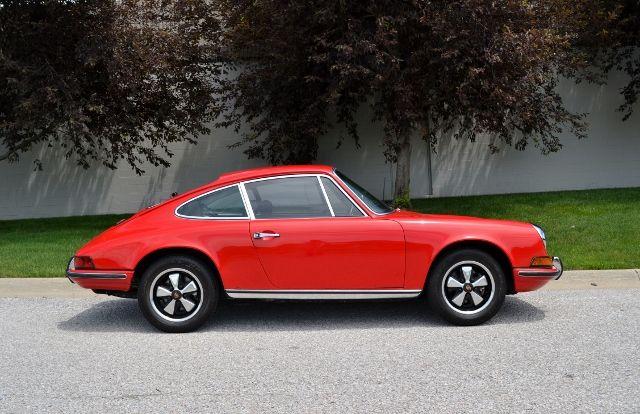 1969 PORSCHE 911 E COUPE 2