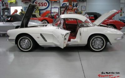 1962 Chevrolet Corvette Ermine White 300HP