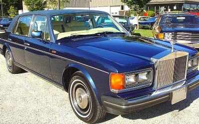 1984 Rolls-Royce Silver Spur Factory Padded Leather Top