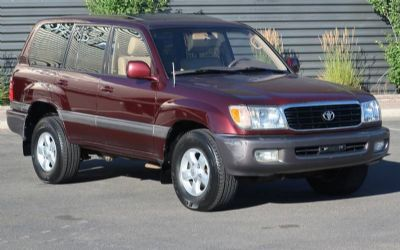 1999 Toyota Land Cruiser AWD 4 DR. SUV
