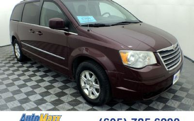 2009 Chrysler Town And Country Touring Minivan