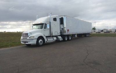 2006 Freightliner Semi Tractor With 2007 Reefer Trailer