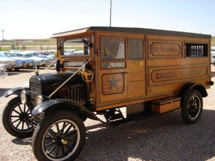 1925 FORD T MARSHALL'S WAGON