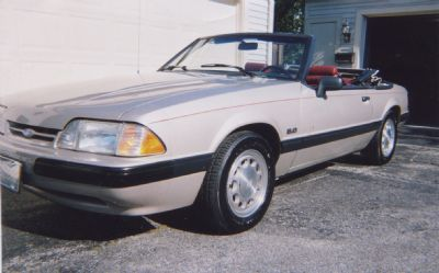 1990 Ford Mustang LX Convertible