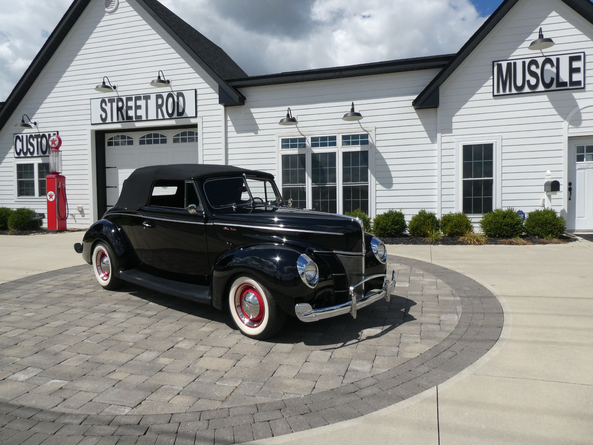 1940 Ford Deluxe Convertible For Sale Allcollectorcars Com