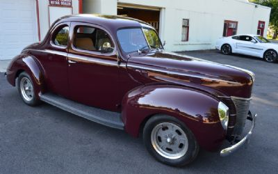 1940 Ford Super Deluxe 2 Door Post