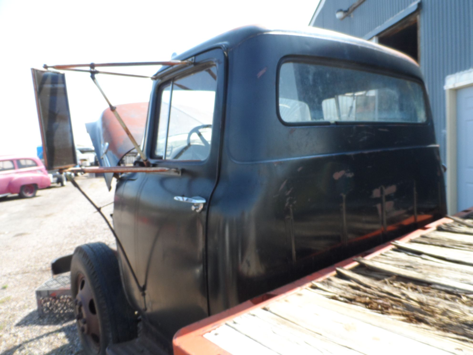 1956 FORD CAB ONLY