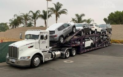 2014 Peterbilt 389 Car Carrier Truck