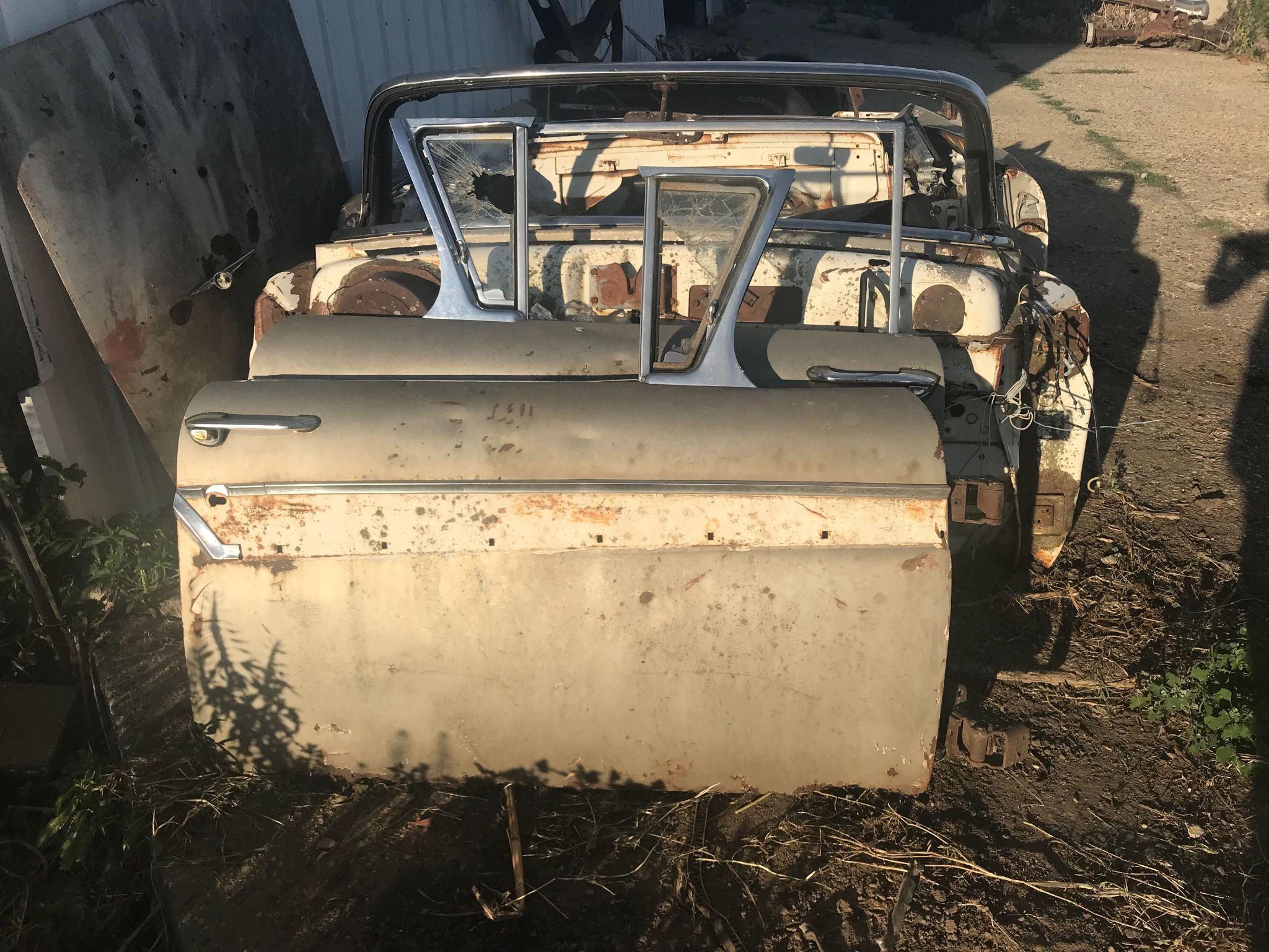 1957 FORD CONVERTIBLE TUB WITH BOWS