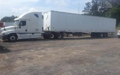 2012 Freightliner Cascadia 125 Semi Tractor With Trailer