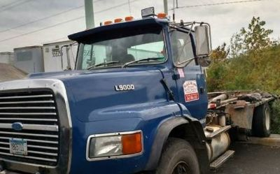 1993 Ford L9000-Roll-Off-Truck