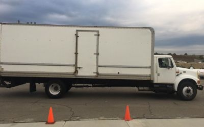 2001 International 4300-Box-Truck