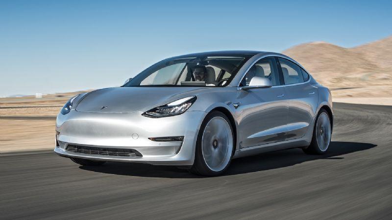 U S  Safety Agencies to Investigate Fatal Tesla Crash in Florida